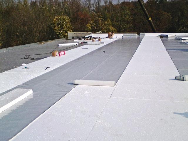 Hydroizolace ploché střechy folie